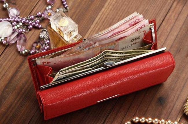 Заговоры на новый кошелечек, чтобы в нем деньги водились