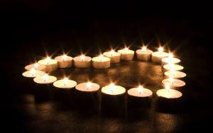 Как сделать приворот на двух свечах