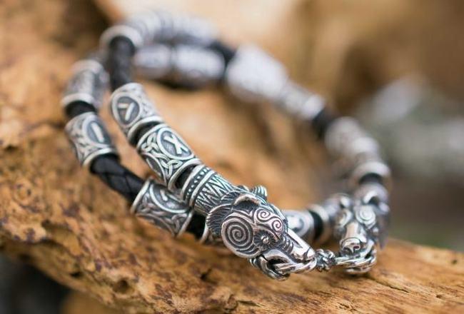 Как сделать защитный браслет?