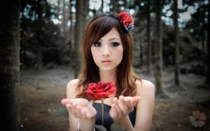 Как гадать с помощью лепестков Розы