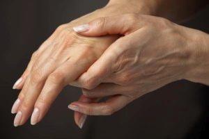 Чешутся пальцы на правой руке