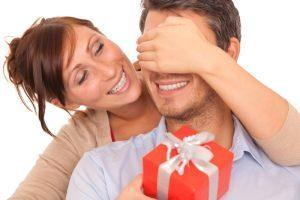 Что нельзя дарить любимому человеку