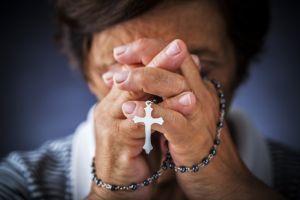 Можно или нельзя носить чужой крестик?