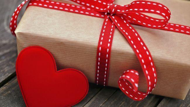 Приворот на подарок любимому мужчине, как читать правильно