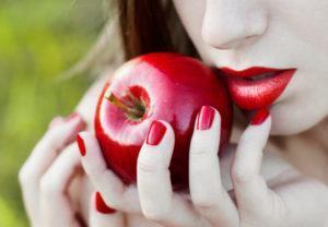 Варианты приворото на яблоко