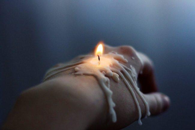 на воске и свечах