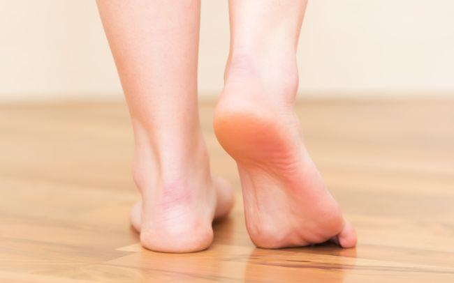 Народные приметы о чесании правой ноги